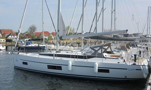 Image of Bavaria Yachts 45 HOLIDAY for sale in  for €264,000 (£241,991) Breege, ,
