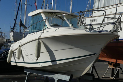 Jeanneau Merry Fisher 585 for sale in France for €14,500 (£13,291)