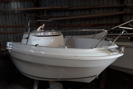 Jeanneau Cap Camarat 5.5 CC serie 2 for sale in France for €21,500 (£19,708)