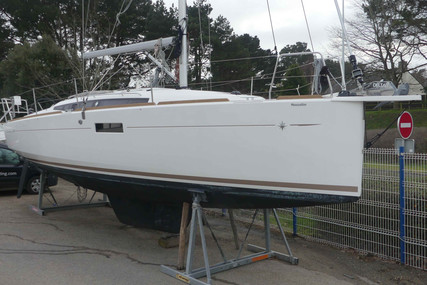 Jeanneau Sun Odyssey 349 for sale in France for €156,000 (£142,995)