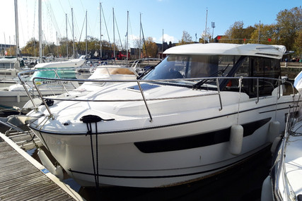 Jeanneau Merry Fisher 895 for sale in France for €95,000 (£87,080)