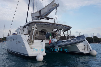 Lagoon 450 for sale in Italy for €400,000 (£355,483)