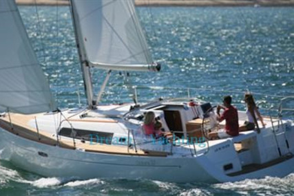 Beneteau Oceanis 37 for sale in Spain for €70,000 (£63,928)