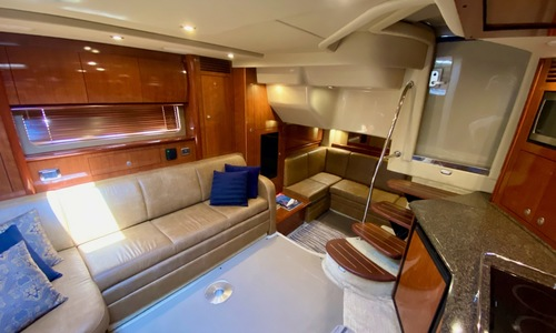 Image of Sea Ray 400 Sundancer for sale in United States of America for $217,500 (£168,389) Barrington, Rhode Island, United States of America