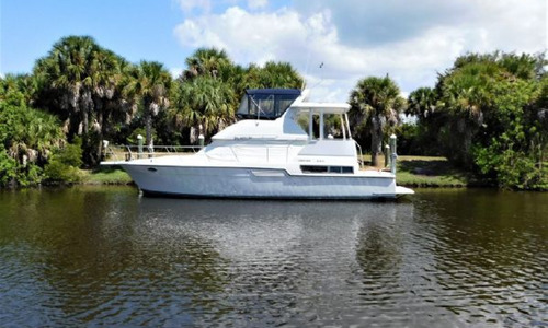 Image of Carver Yachts 390 CPMY for sale in United States of America for $79,900 (£62,723) Cape Haze, Florida, United States of America