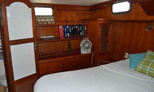 Image of Trawler Oceania 42 for sale in United States of America for $85,000 (£60,570) Port Charlote, Florida, United States of America