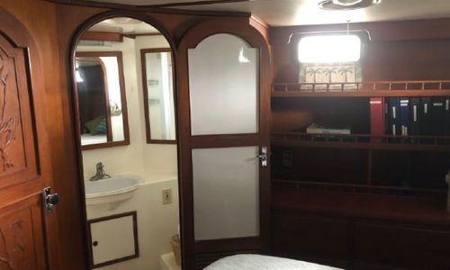 Image of Trawler Oceania 42 for sale in United States of America for $85,000 (£60,960) Port Charlote, Florida, United States of America