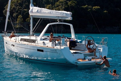 Beneteau Oceanis 45 for sale in France for €165,000 (£149,542)