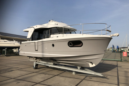 Beneteau Swift Trawler 30 for sale in Belgium for €248,000 (£227,325)