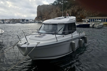 Jeanneau Merry Fisher 605 for sale in France for €33,000 (£30,076)