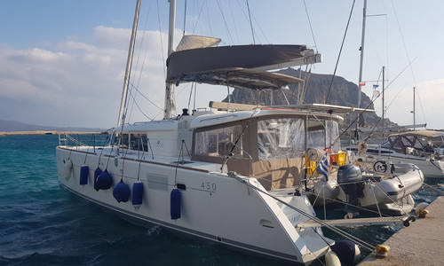 Image of Lagoon 450 for sale in Greece for €380,000 (£346,801) LAVRIO, Greece