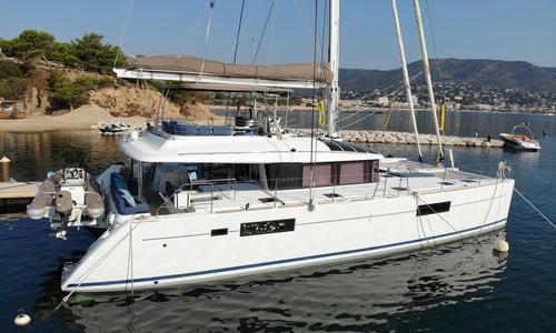 Image of Lagoon 560 S2 / EN COURS DE VENTE for sale in France for €1,080,000 (£986,310) Bormes, France