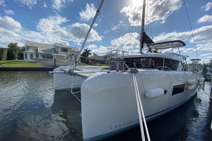 Lagoon 42 for sale in United States of America for $595,000 (£431,616)