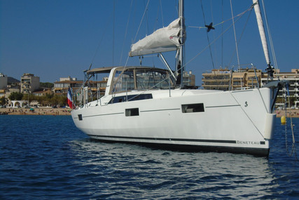 Beneteau Oceanis 41.1 for sale in France for €210,000 (£191,783)