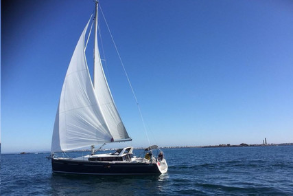 Beneteau Sense 43 for sale in France for €170,000 (£155,095)