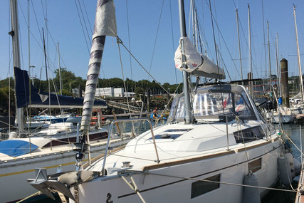Beneteau Oceanis 35.1 for sale in France for €119,000 (£109,079)