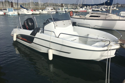 Beneteau Flyer 6.6 Spacedeck for sale in France for €34,900 (£31,990)