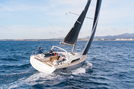 Beneteau Oceanis 41.1 for sale in Australia for $385,000 (£217,325)