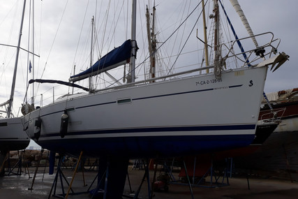 Beneteau Oceanis 393 Clipper for sale in Spain for €75,000 (£68,448)