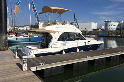 Beneteau Antares 9.80 for sale in France for €85,000 (£77,914)