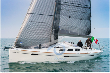 Italia Yachts 10.98 for sale in Italy for €190,000 (£172,955)