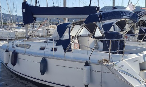 Image of Jeanneau Sun Odyssey 34.2 for sale in France for €49,600 (£45,297) France
