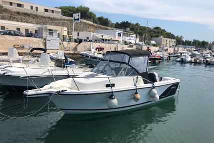 Robalo 2140 WA for sale in Italy for €16,500 (£15,038)
