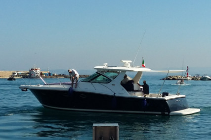 Tiara 3600 for sale in Italy for €165,000 (£142,032)
