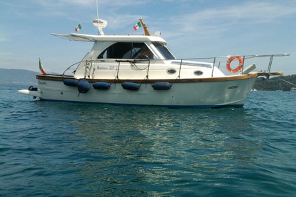 Sciallino 25 for sale in Italy for €83,000 (£75,800)