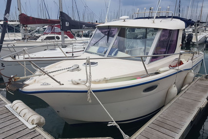 Ocqueteau 735 for sale in France for €36,000 (£32,887)