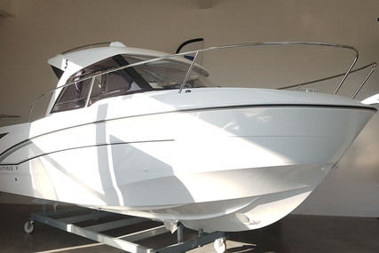Beneteau Antares 7 OB for sale in France for €70,900 (£63,052)