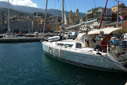 Jeanneau Sun Odyssey 36i for sale in France for €74,000 (£67,942)