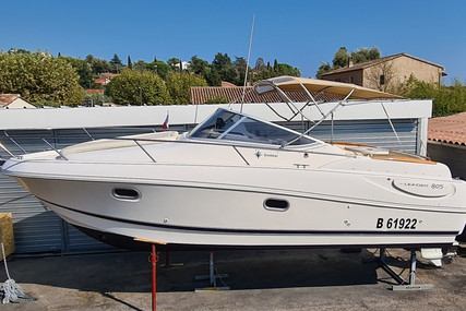 Jeanneau Leader 805 for sale in France for €37,000 (£33,915)