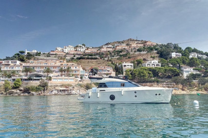 Beneteau MC 5 FLY for sale in France for €595,000 (£540,089)