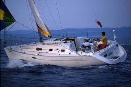 Beneteau Oceanis 311 Clipper for sale in France for €36,500 (£33,226)