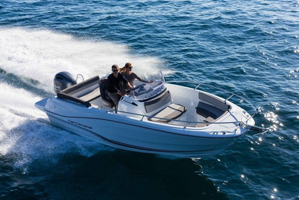 Jeanneau CAP CAMARAT 6.5 CC SERIE 3 for sale in France for €55,000 (£50,464)
