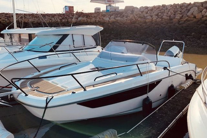 Beneteau Flyer 8 Sundeck for sale in France for €74,000 (£67,535)