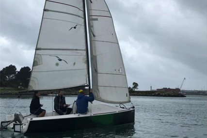 Beneteau First 18 for sale in Portugal for €17,500 (£15,885)
