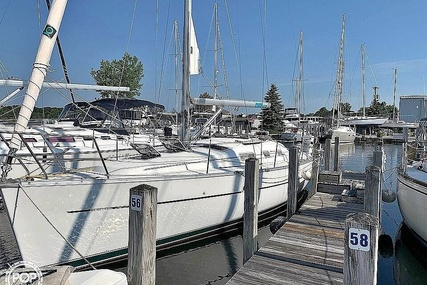 Beneteau Oceanis 323 for sale in United States of America for $63,300 (£45,332)