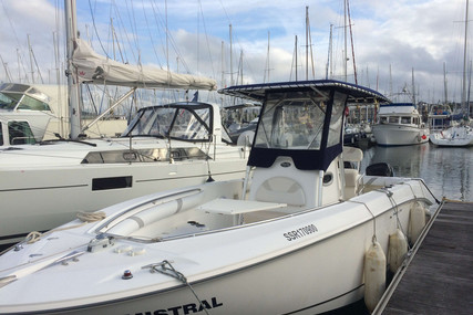 Boston Whaler 270 Outrage for sale in France for €42,000 (£38,124)
