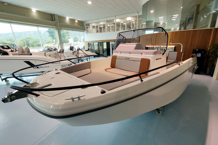 Beneteau Flyer 7 Spacedeck for sale in Spain for €62,016 (£56,453)