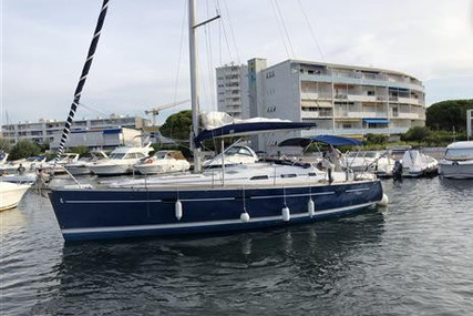 Beneteau Oceanis 393 Clipper for sale in France for €69,000 (£62,972)
