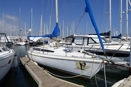 Dufour Yachts GIB SEA 105 for sale in France for €28,000 (£25,519)