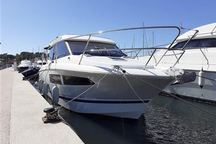 Jeanneau NC 9 for sale in France for €145,000 (£132,152)