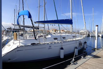 Dufour Yachts 36 Classic for sale in France for €56,600 (£51,706)