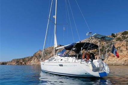Jeanneau Sun Odyssey 42 DS for sale in France for €120,000 (£109,623)