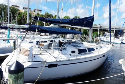 Hunter Legend 37.5 for sale in United States of America for $49,000 (£38,137)