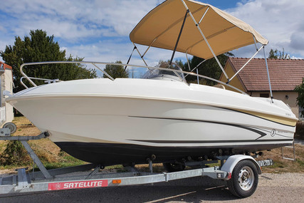 Beneteau Flyer 550 Sundeck for sale in France for €18,500 (£16,767)