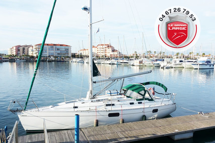 Beneteau Oceanis 351 for sale in France for €55,000 (£49,924)