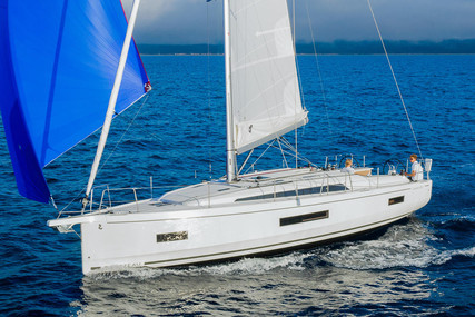 Beneteau Oceanis 40.1 for sale in France for €264,000 (£239,267)